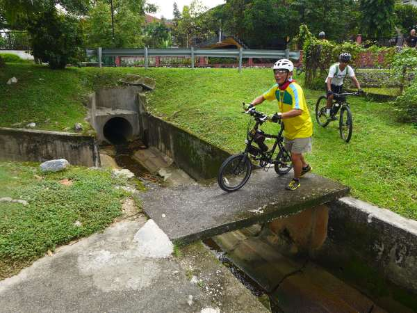 Bike lanes can be built in unusual places, such as here in Section 5, PJ.