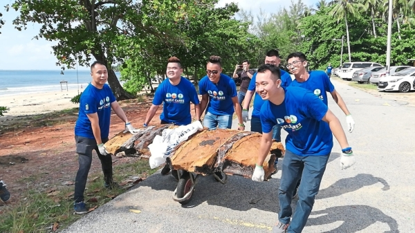 Nestle volunteers at Pantai Batu Layar, Johor, collected 661kg of rubbish.
