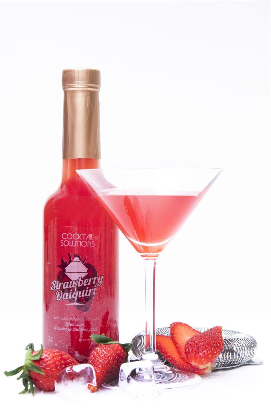 Easy: Fancy a strawberry daquiri? Just pop the bottle, pour, garnish and drink.