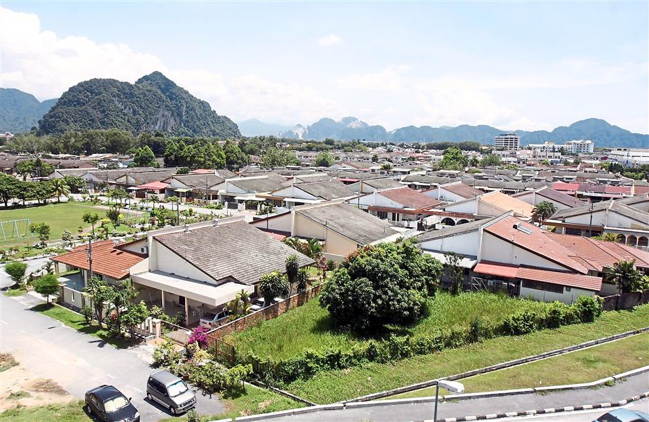 A view of houses in older parts of Ipoh.