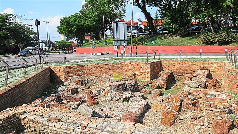 Remnants of the once inpregnable Fortaleza de Malaca at Jalan Kota/Jalan Merdeka