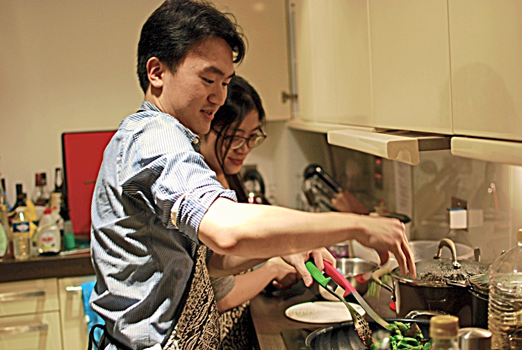 Chua Guan Leong, cooking for the supper club.