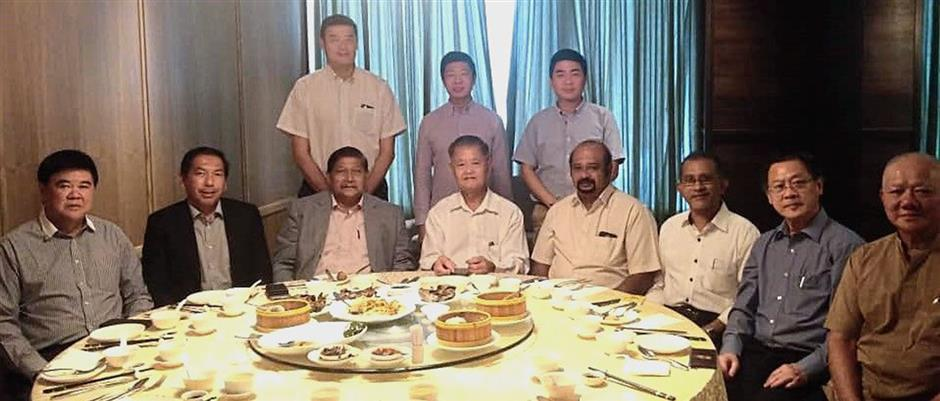 Members and representatives from the PCCCI, PMCC, PICC, and MICC Perak Branch, with Liew (seated, fourth from left) agreed to set up a working committee to study the issues faced by businesses in the state.
