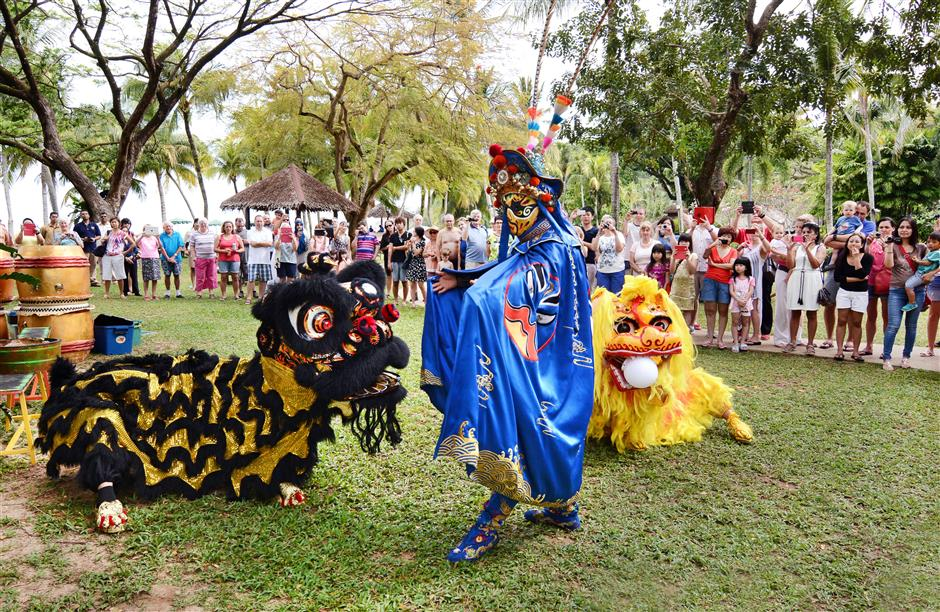 Keeping the peace: The heavenly king stepping in to settle the duel between the southern and northern lions.