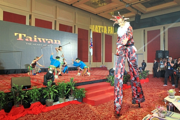 Taiwan national tourism organisation putting on a performance at the opening ceremony.