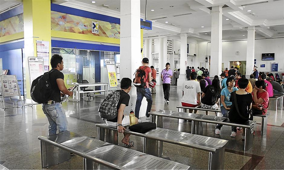The waiting area for the passengers at the Ipoh Railway station.