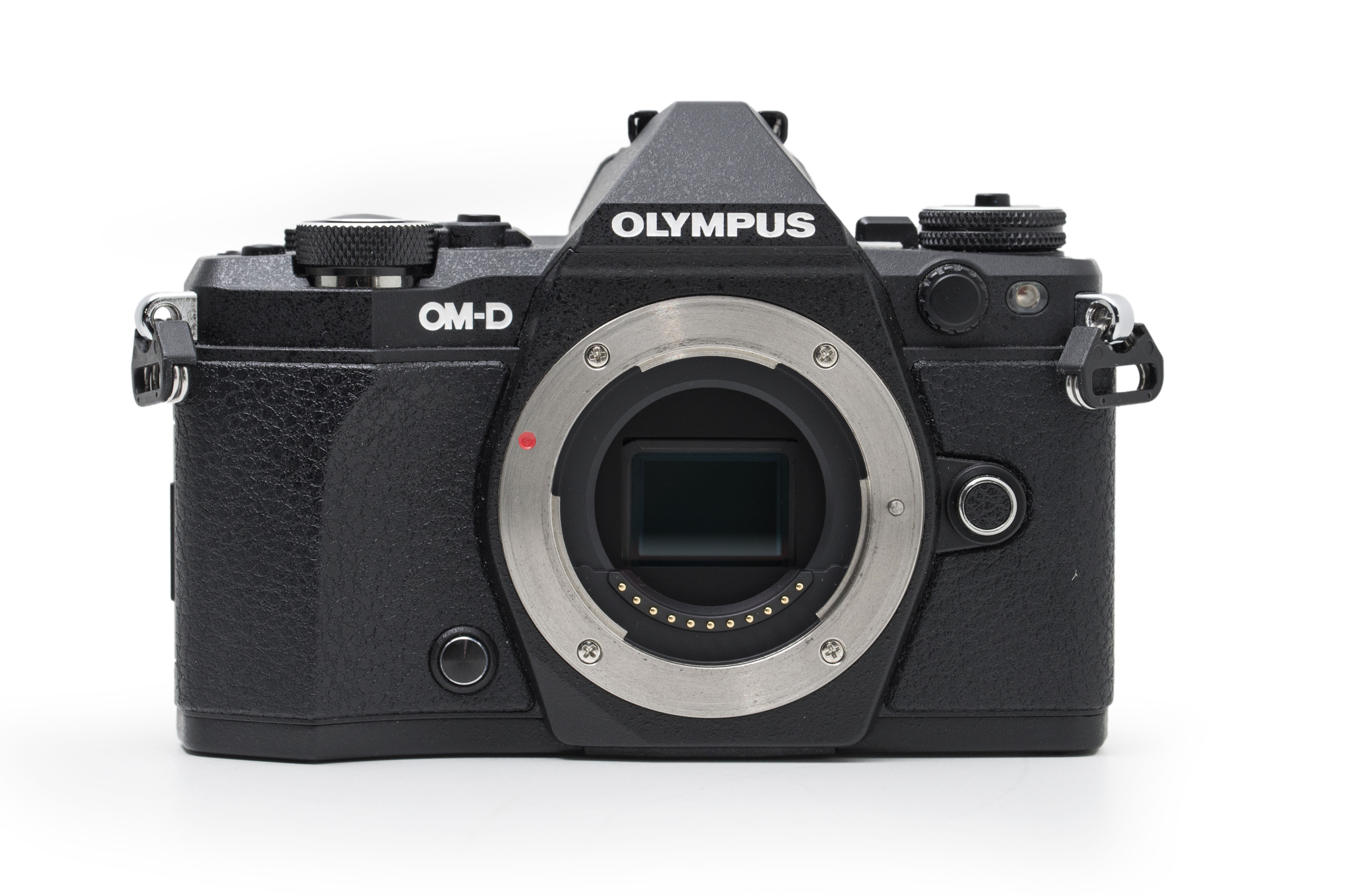 OM heritage: the OM-D E-M5 Mark II is modeled after the looks of the old OM film SLRs