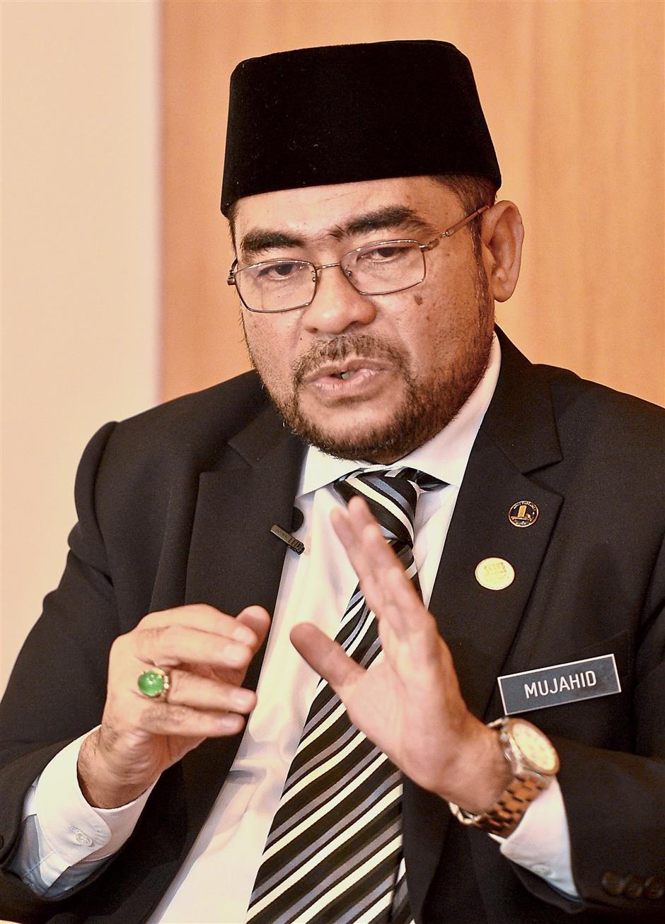 MINISTER OF RELIGIOUS AFFAIRS DATUK MUJAHID YUSOF RAWAReporter(s)  : ZAKIAH BEEVI KOYA