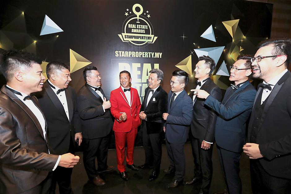 High achievers: Wong (centre) with the winners of StarProperty.my Real Estate Awards 2018.