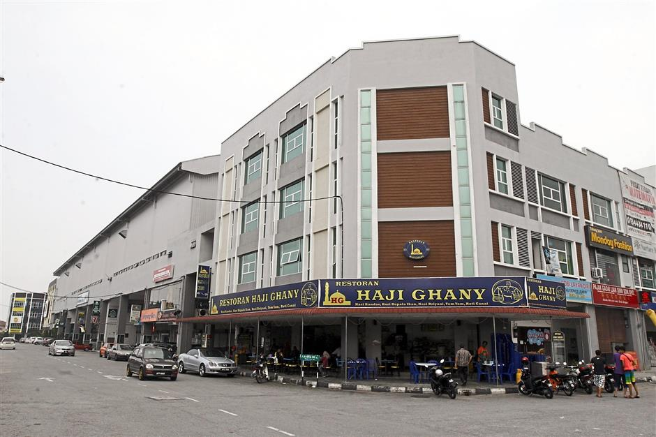 One of the new developments in Ampang New Village – rows of shophouses.