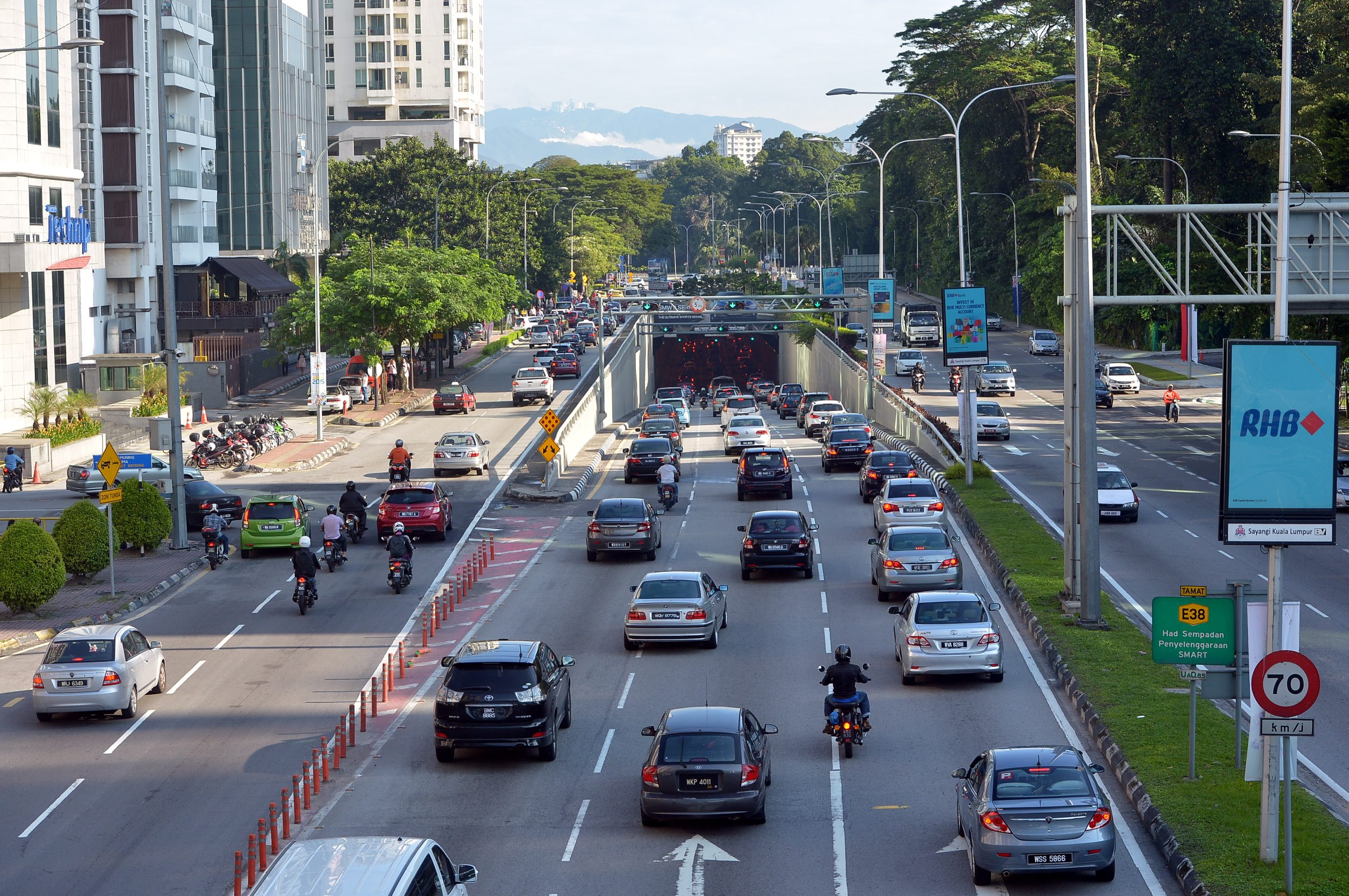 Little Impact On Morning Traffic After Kl Road Closures For Asean Summit The Star