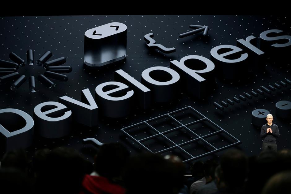 Apple Chief Executive Officer Tim Cook speaks at the Apple Worldwide Developer Conference (WWDC) in San Jose, California, U.S., June 4, 2018.   REUTERS/Elijah Nouvelage