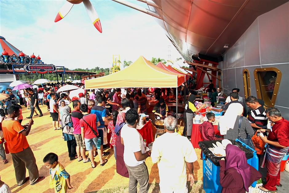 The event drew massive crowds which thronged the theme park for traditional Hari Raya fare in an unusually fun setting.
