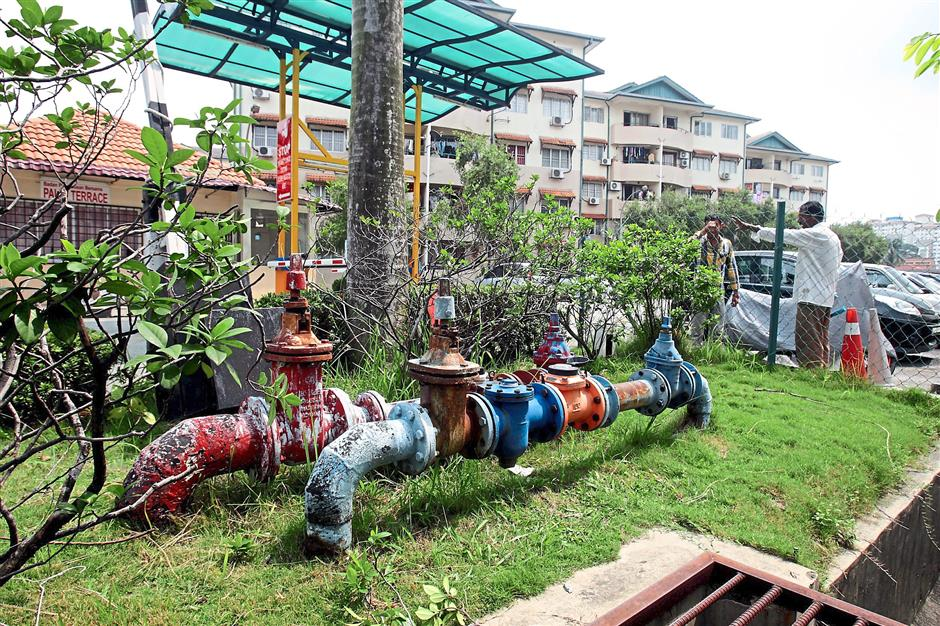 Hoping: Residents at Palm Terrace are hopeful that the bulk meter will soon be migrated to individual meters.