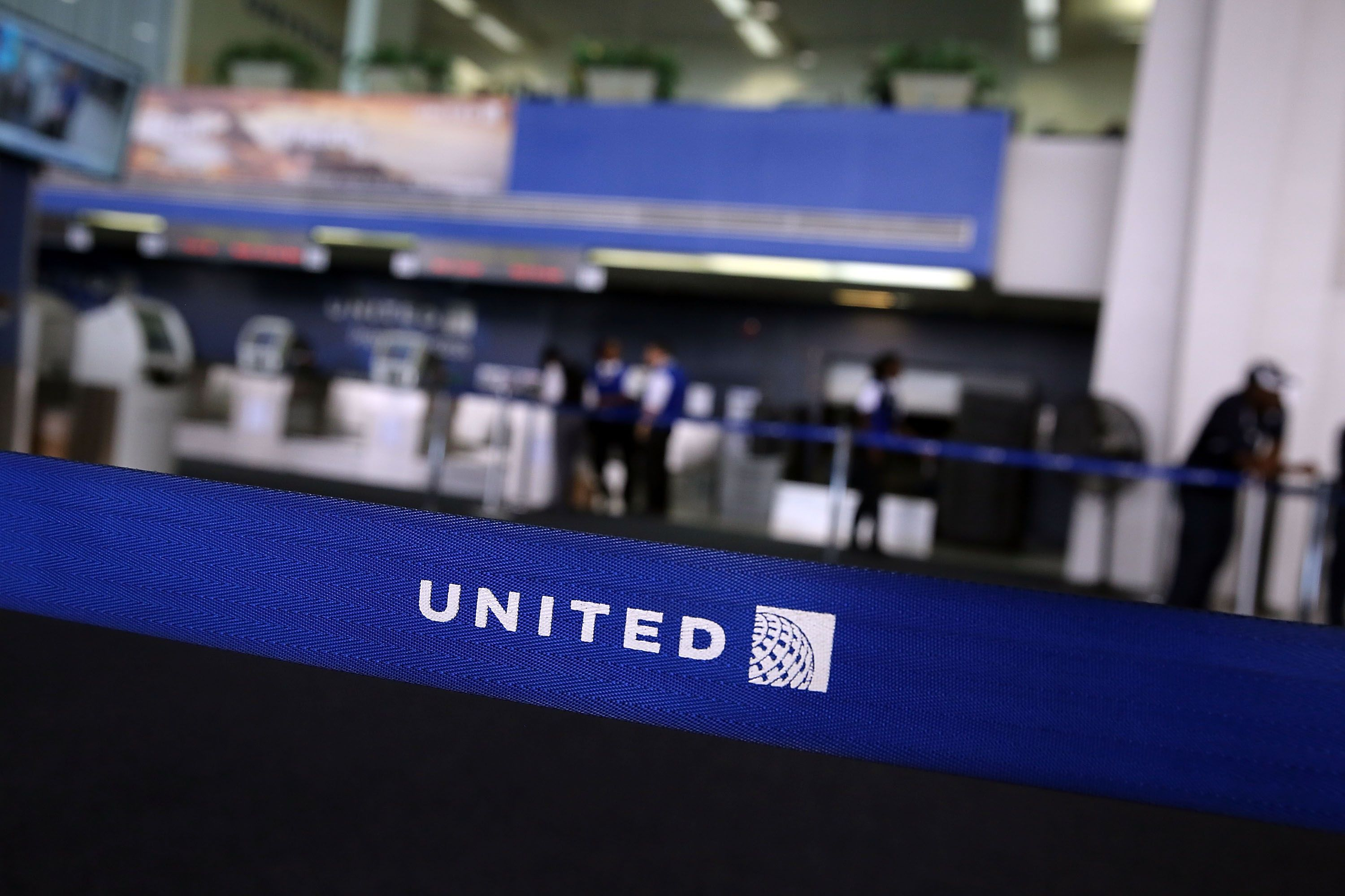 NEWARK, NJ - JULY 08: The United Airlines terminal is viewed at Newark Liberty Airport on July 8, 2015 in Newark, New Jersey. A computer system glitch caused thousands of United Airlines flights throughout major airports to be grounded Wednesday morning. The issue was resolved by late morning with some ripple delays still being felt at airports throughout the country.   Spencer Platt/Getty Images/AFP == FOR NEWSPAPERS, INTERNET, TELCOS & TELEVISION USE ONLY ==