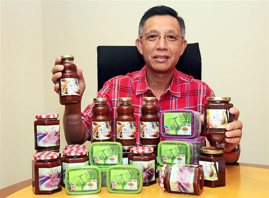 Ridzuan's figs are available fresh, in the form of jam, dipping sauce, spaghetti sauce and even tea.