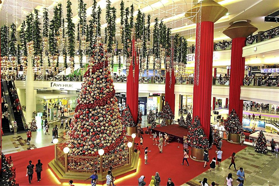 A Red and Gold Christmas at Berjaya Times Square
