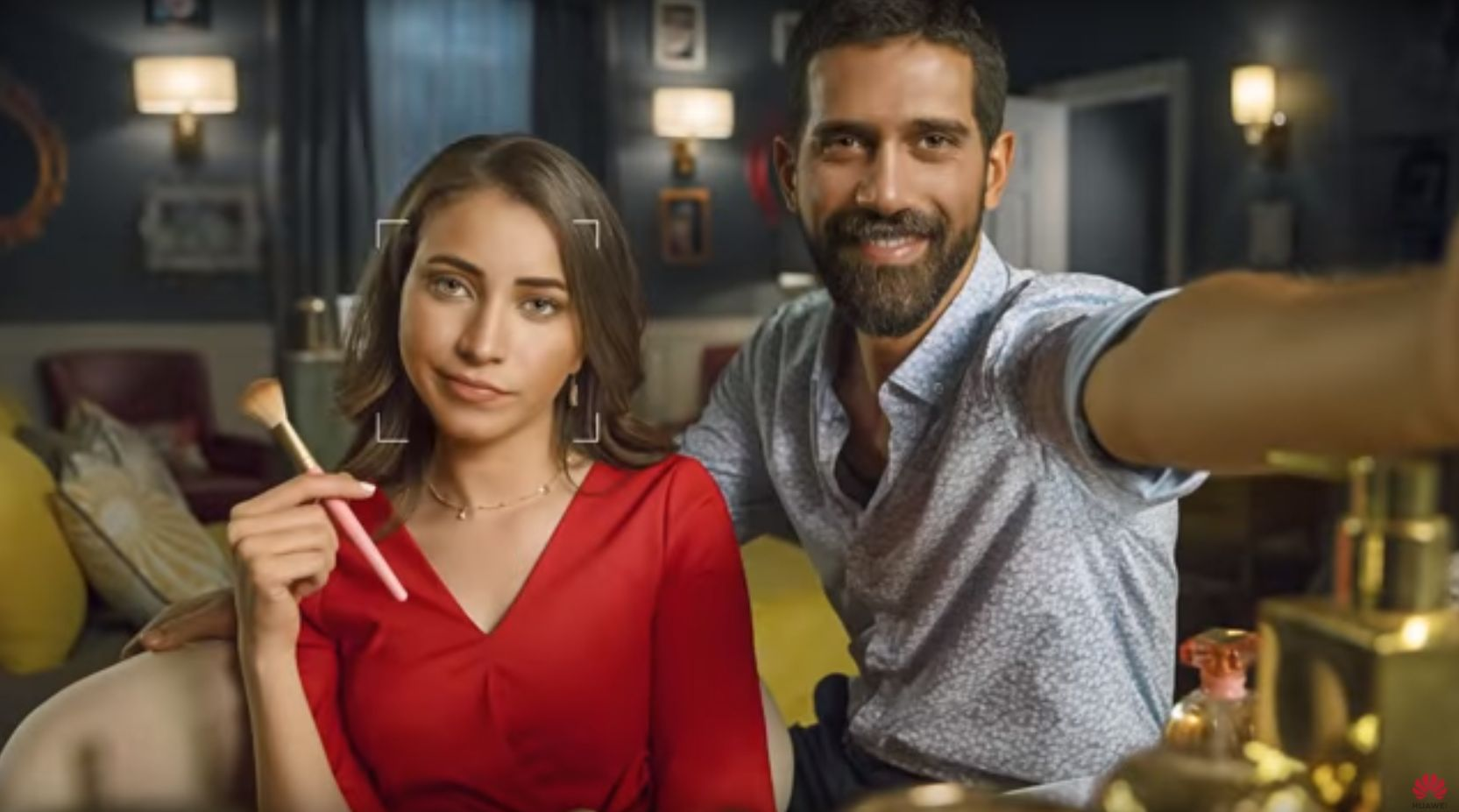 Selfie in Huawei Nova 3 ad shot with DSLR | The Star Online
