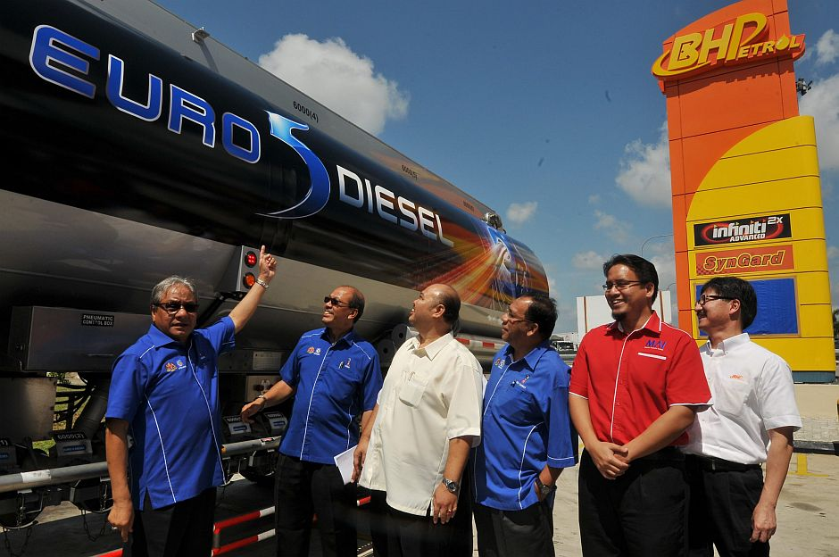 Johor The First To Offer Euro 5 Diesel The Star