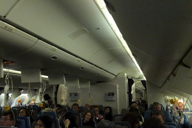 SIA flight to Paris makes U-turn soon after take-off from ...