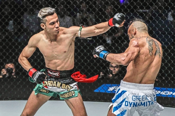 Mohammed (left) and his opponent, Greece's Stergos Mikkios, at a previos ONE Championship fight.