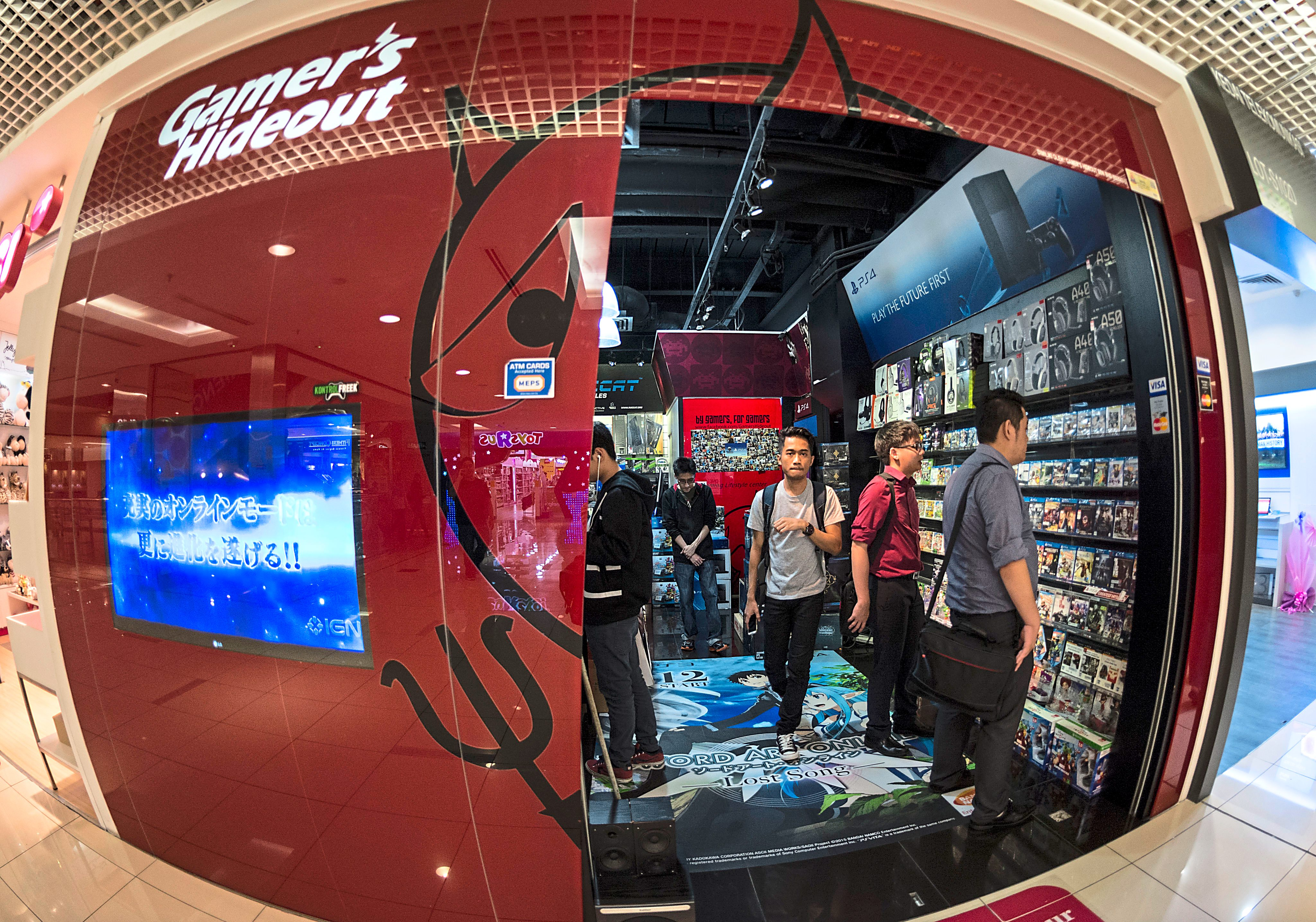 More peripherals: Gamers Hideout in 1Utama shopping centre