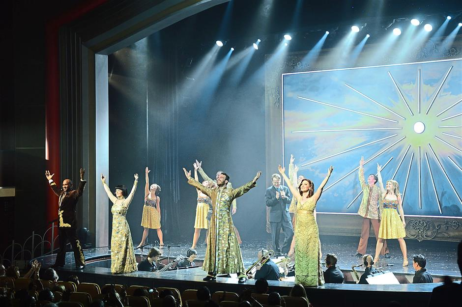 A stunning stage performance on board the Mariner of the Seas.