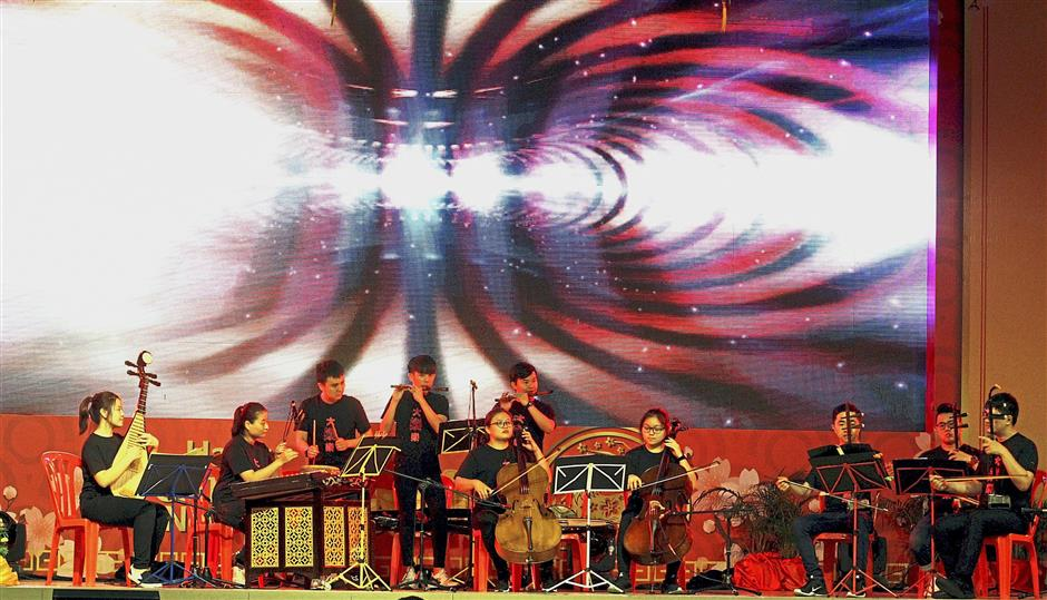 The Vivo Experimental Chinese Orchestra rendered traditional and fusion Chinese melodies.
