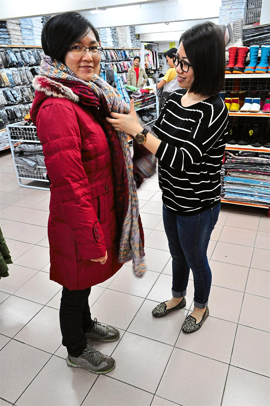 As the only sibling blessed with fashion sense, the Yuki factors in advising customers how to chill with their winter looks helped Kok Kong grows its business.