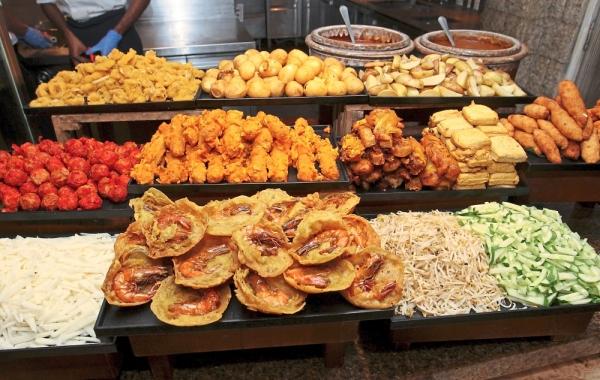 The rojak counter has pasembur and fruit salad.
