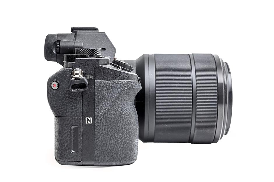 Better grip: the deeper, contoured grip of the Sony A7 II allows for a more comfortable hold despite being small