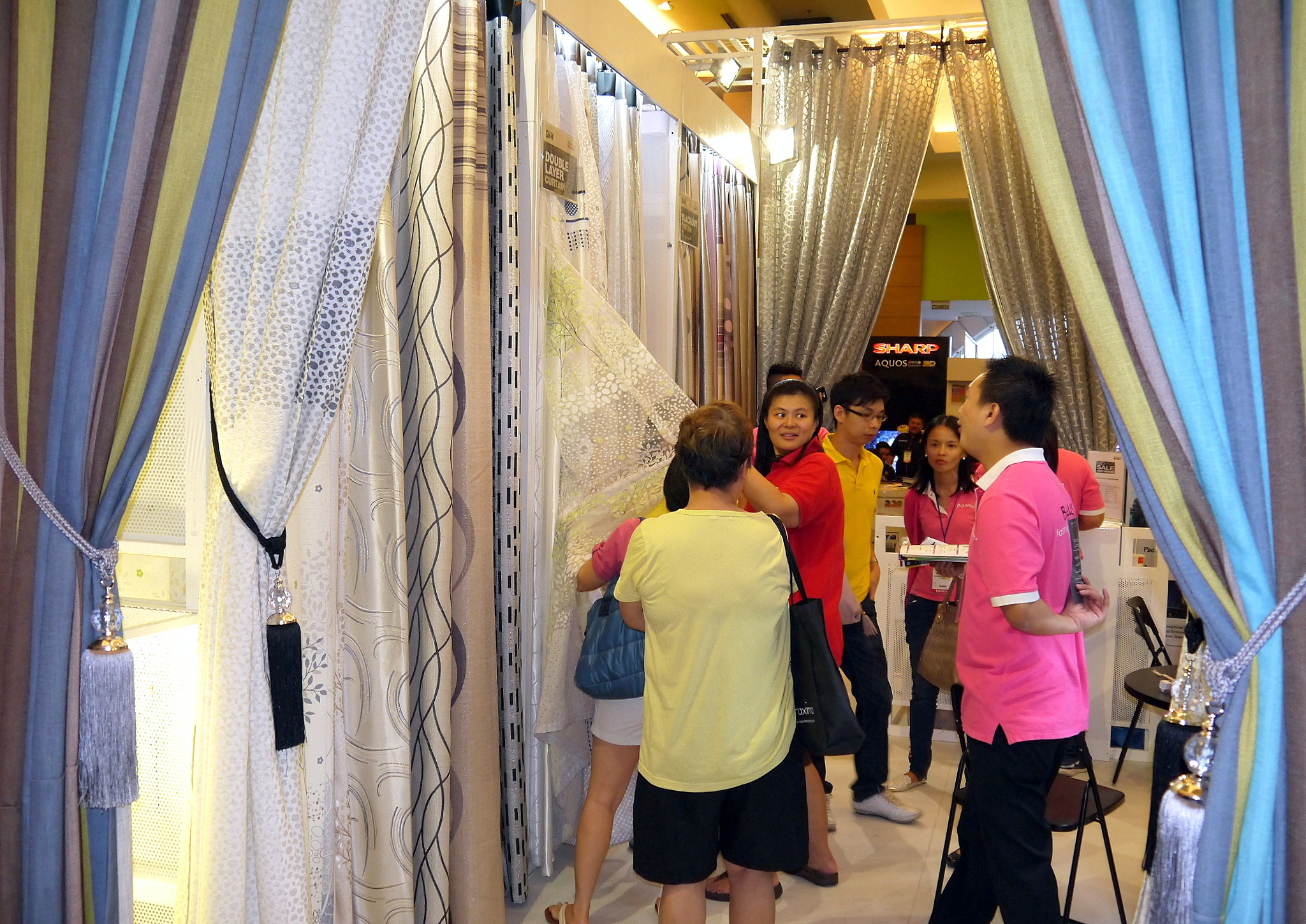 Visitors can choose from a large selection of curtains and blinds at the fair