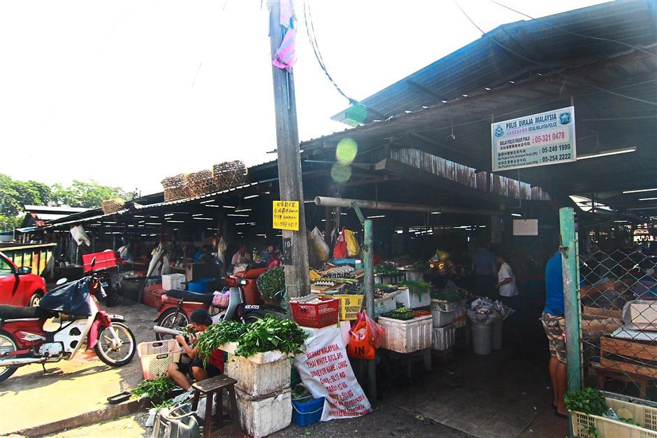 The present Pasir Pinji wet market needs an upgrade.