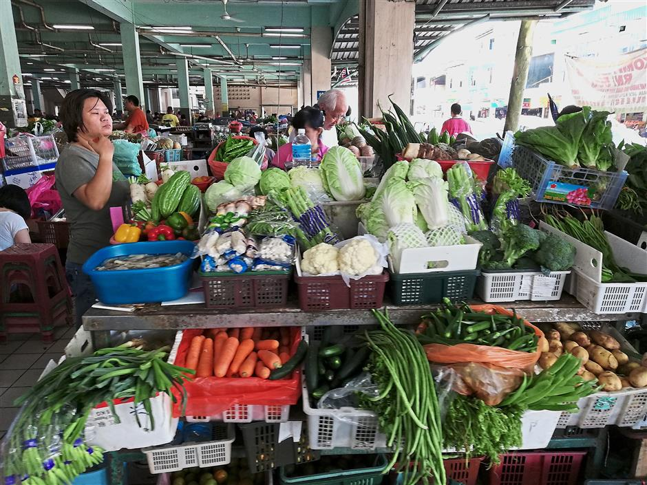 Fluctuating prices: Prices of vegetables in Sibu are on an upward trend after the state experienced drought the last two months.