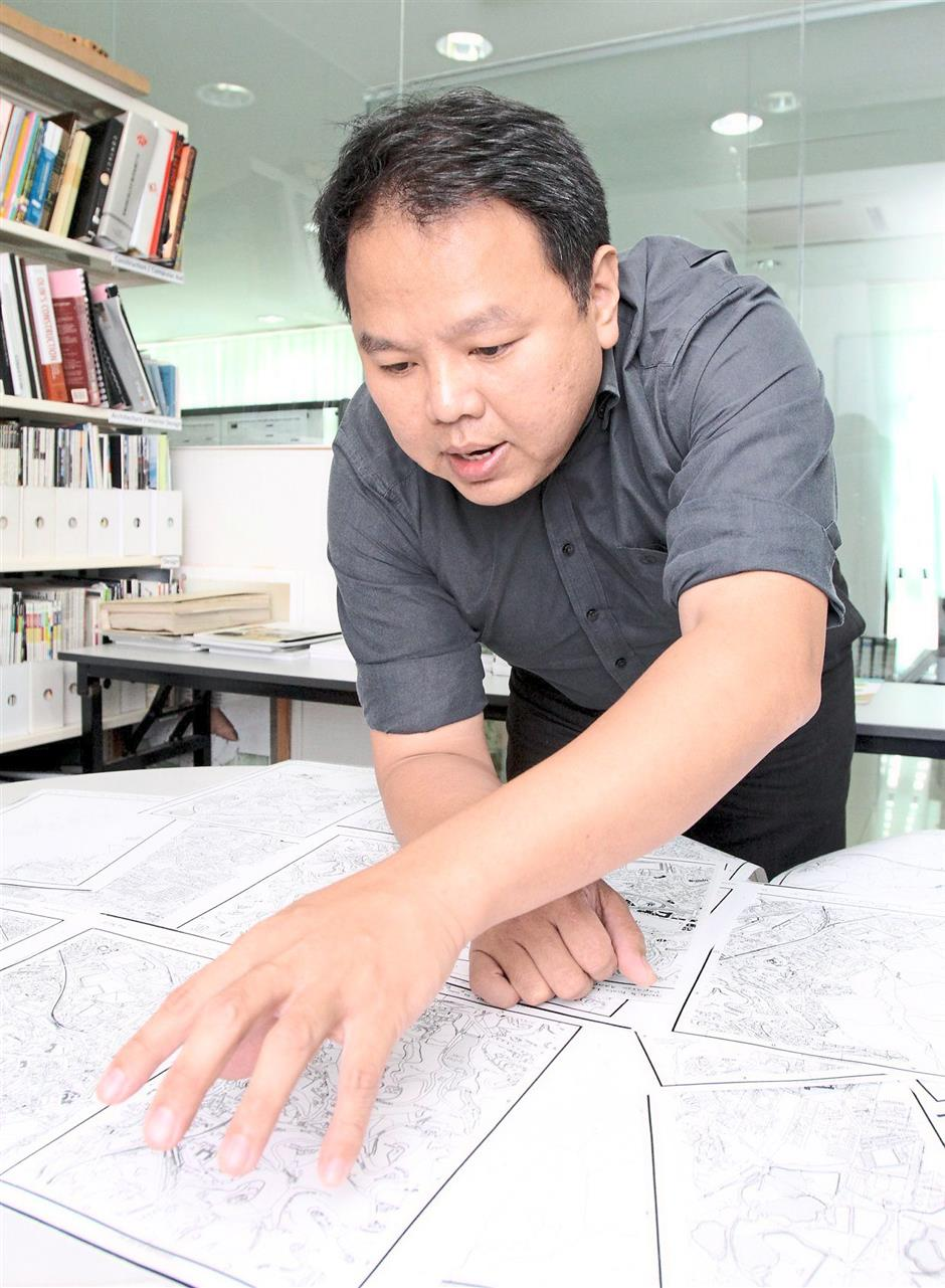 Interesting: Teoh showing the location and surroundings of Jalan Belfield on a map of Kuala Lumpur made in 1962.