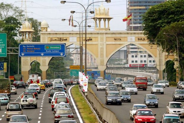 Left lane of Federal Highway from KL to PJ to close for 15 days