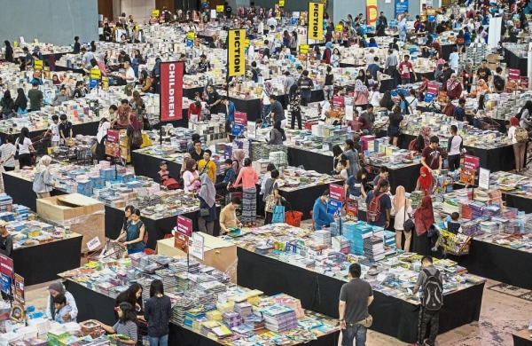 Until March 10, book lovers will be able to grab a wide variety of books at the Big Bad Wolf book sale at Universiti Malaysia Pahang in Gambang, Kuantan. u2014 Filepic