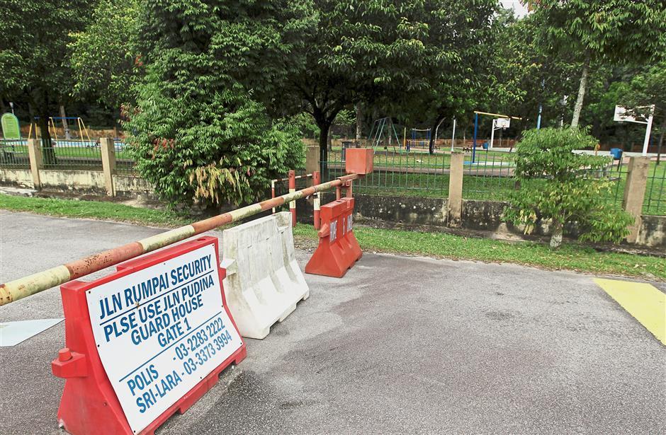 This boom gate installed at Jalan Rumpai in Bukit Bandaraya, Kuala Lumpur has cut off access to a park.