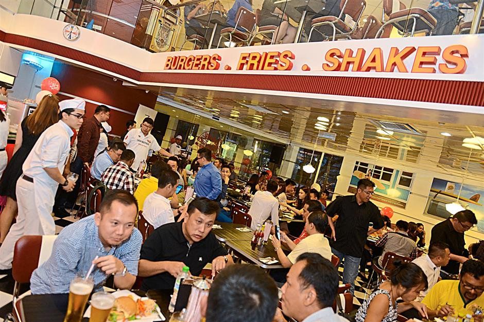 The opening of Johnny Rockets in Avenue K, Kuala Lumpur, was very well received judging by the number of people that turned up on the opening day.