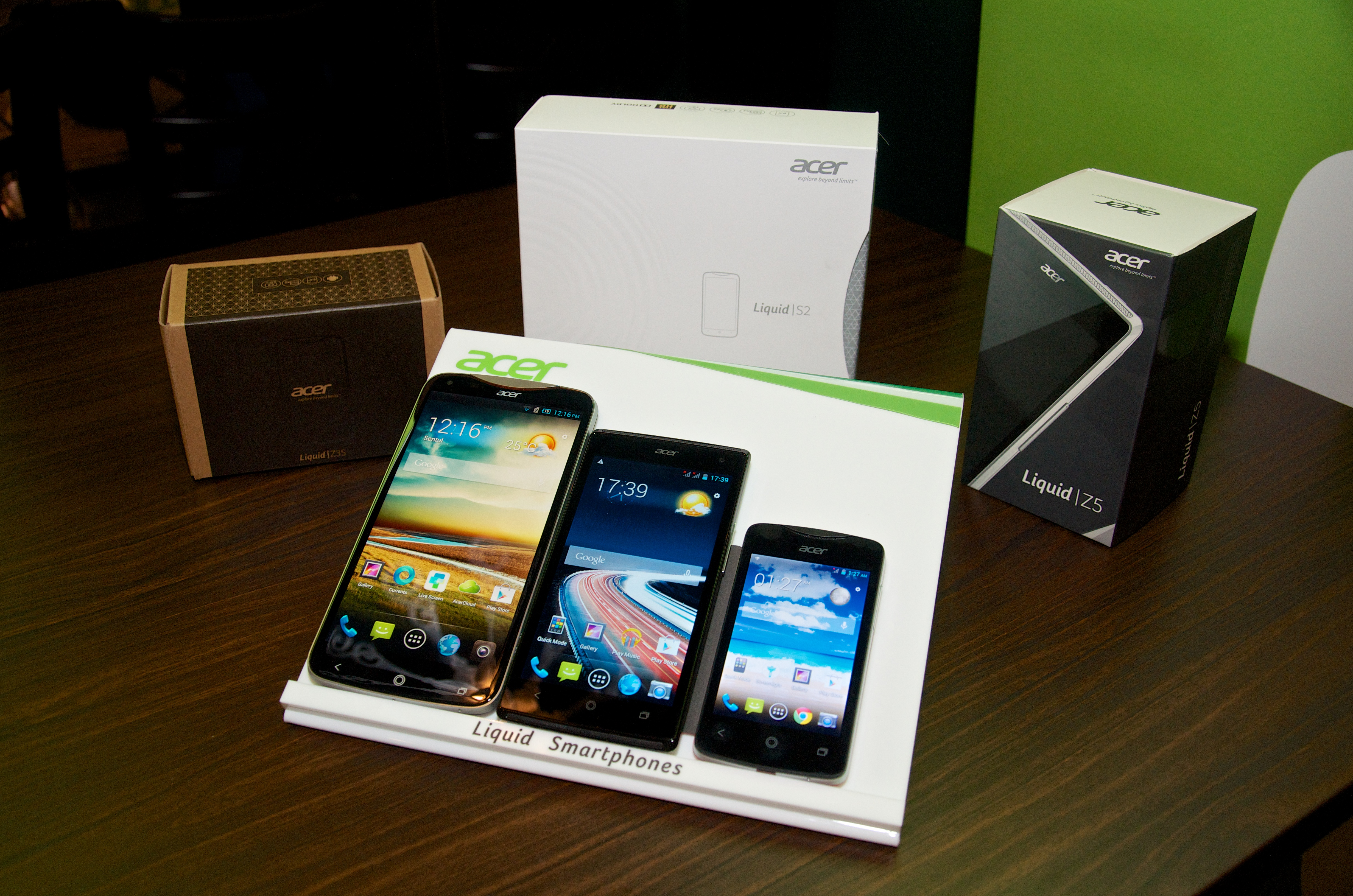 (l-r) Acer\'s new Liquid S2, Z5 and entry level Z3 smartphone.