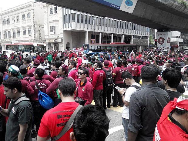 Protesters blocking the Jalan Tun Perak - Jalan Raja junction.