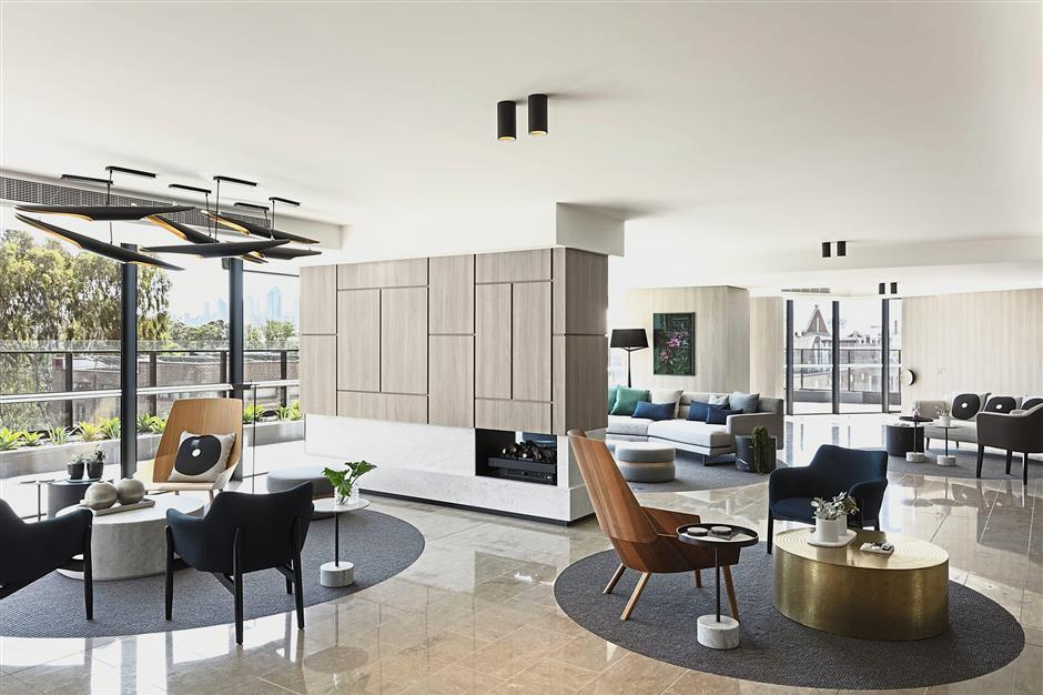 Air of luxury: Community gathering place — the lounge at level 6.