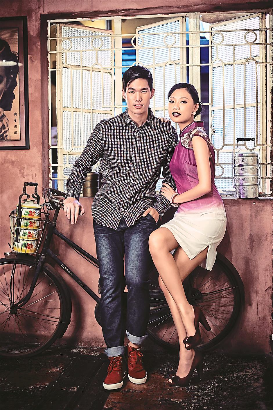 He uses a Desigual shirt and Biem jeans while she uses an Ang Eng Cheong Same, Rebecca Sanver shoes and earrings and a bracelet from Parco Diviale.