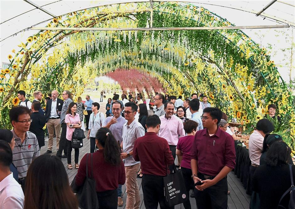 Part of the invited guests during the launching of Aspen Group 25 Acres Central Island Park at Aspen Vision City in Bandar Cassia, Batu Kawan yesterday. - Starpic by MUSTAFA AHMAD / The Star / 17 October 2018.