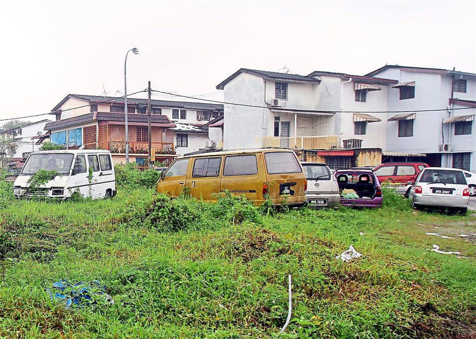 Residents of Taman Setapak Permai are upset that a number of abandoned cars in the area have not been cleared and is marring the place.