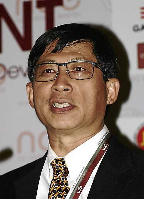 USE SMALL, QUALITY NOT GOOD: According to Dr Ooi Lean Hock calling in specialist contractors with specialised rigs, ancillaries and experience can be considered as moving ahead with the times, as far as Malaysia is concerned.
