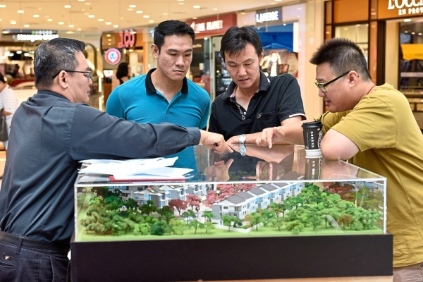The My Sakura 28 booth drawing interest from potential housebuyers at the fair.